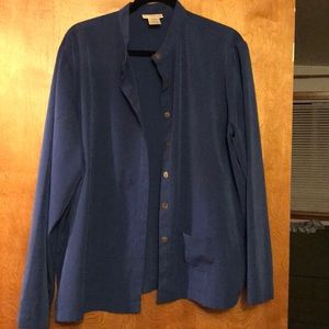 TravelSmith Long Sleeve Button Down Blouse